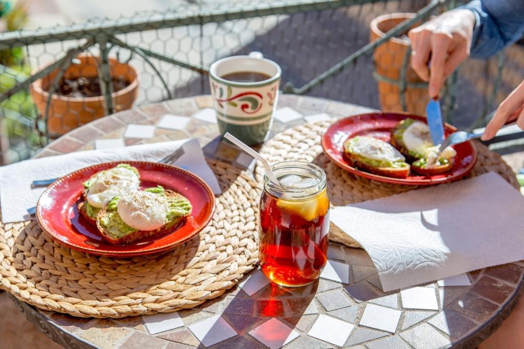 avocado-toast-poached-eggs-1