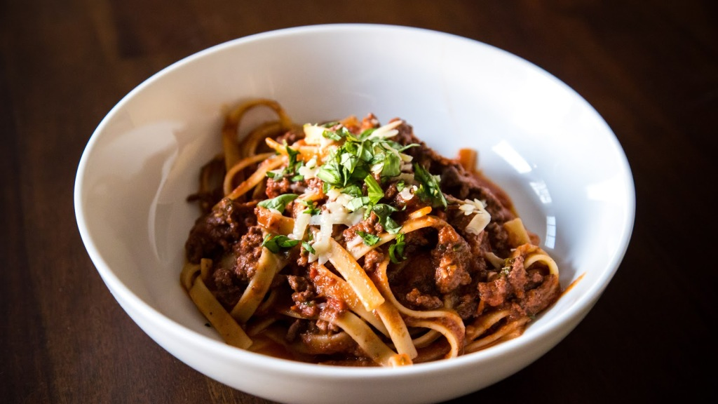 ina-garten-weeknight-bolognese-1