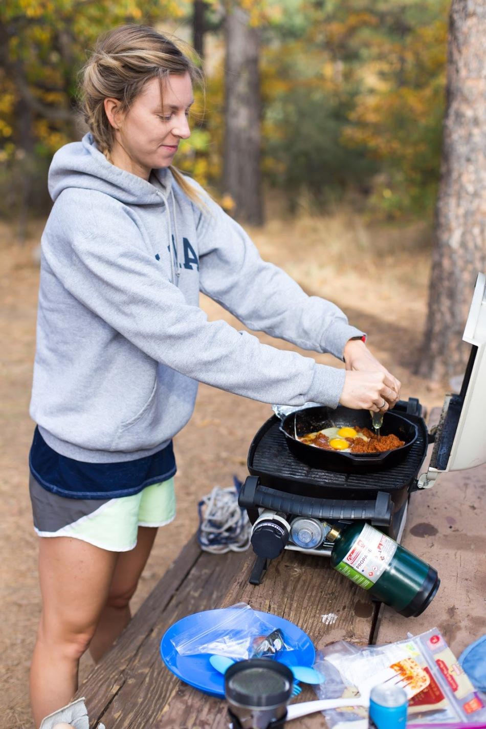 chorizo-breakfast-tacos-camping-weber-q