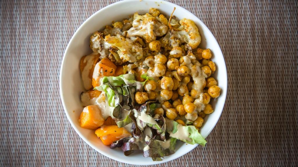 curry-cauliflower-chickpea-buddha-bowls-butternut-squash