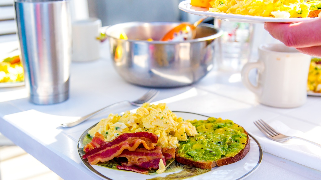 slow-cooked-scrambled-eggs-avocado-toast-bacon