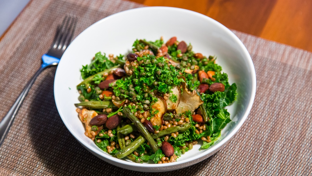 sunchoke-salad-green-beans-almonds-wheatberries