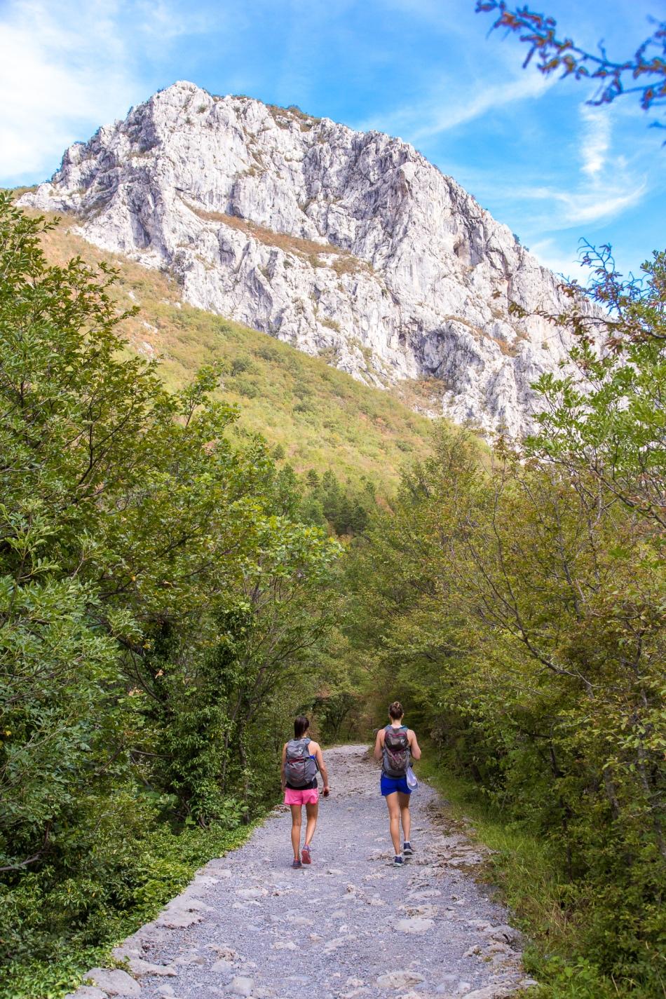 croatia-hiking-Plitvice-Lakes-National-Park-krka