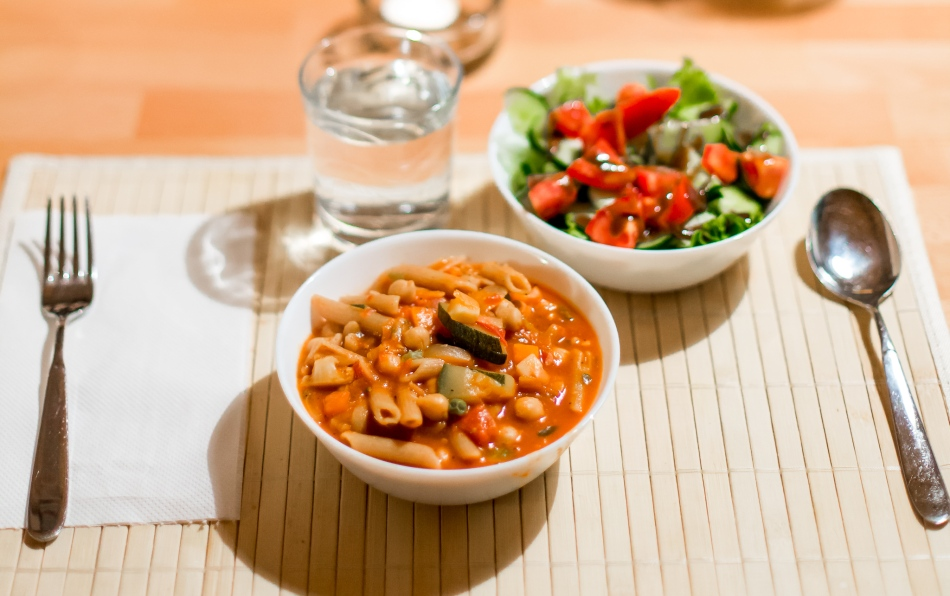 hearty-travel-vegetable-soup-stew-zucchini-vegan-vegetarian-healthy-pasta-chickpeas